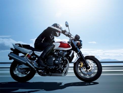 Honda CB400 - nakedbike an khach duoc ban lai