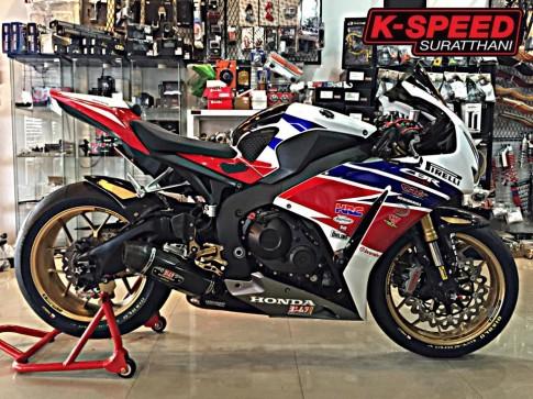Honda CBR1000RR do day chat choi va phong cach tai Thai Lan