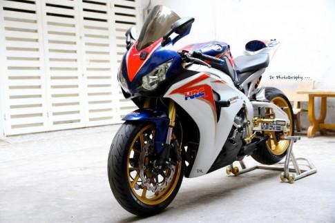 Honda CBR1000RR HRC độ khủng với dàn option hàng hiệu của dân chơi Việt
