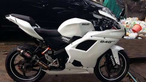 Honda CBR150R do thanh Ducati 848 day doc dao