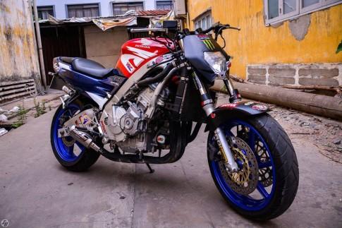 Honda CBR600 do nakedbike doc dao cua biker Sai Gon