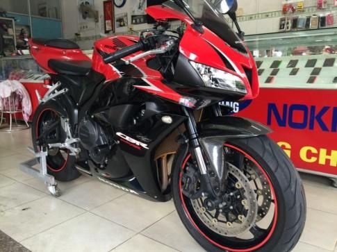Honda CBR600RR độ khá chất của biker Việt