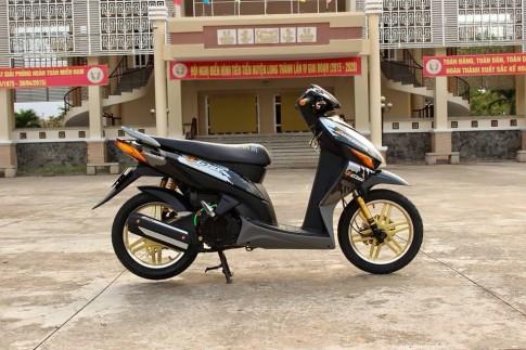 Honda Click do kieng don gian ma tinh cam