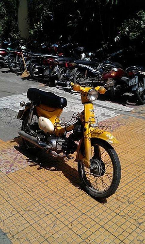 Honda Cub độ phong cách Bobber cực đẹp
