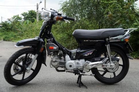 Honda Dream độ đẹp với phiên bản đen huyền bí