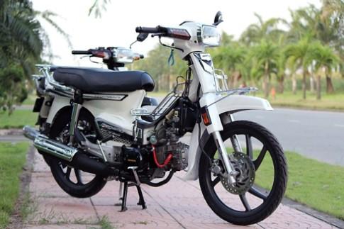Honda Dream do pha cach cua chang trai Viet