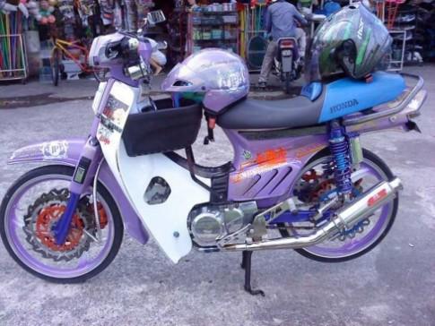 Honda Dream độ Racing Boy