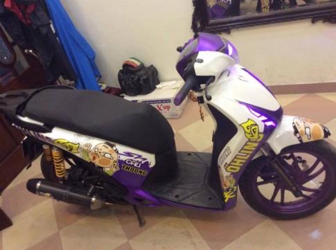 Honda SH do doc dao voi phien ban Chu Thoong