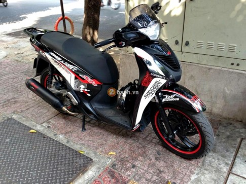 Honda SH trắng - đen vân tay của đội SH Sài Gòn