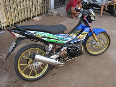 Honda Sonic xanh den do tuyet dep