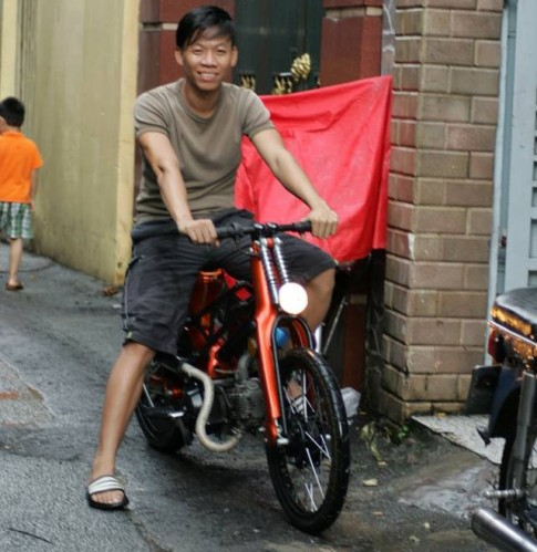 Honda Super Cub do Bobber cuc doc cua chang trai Sai Gon