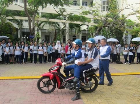 Honda tập huấn kỹ năng lái xe máy cho học sinh lớp 12 tại Đà Nẵng