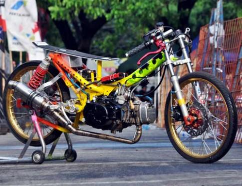 Honda Wave RSX mang phong cach Drag Bike cuc dep