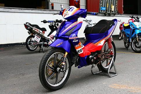 Honda Wave X Repsol Racing cuc ngau tren duong dua!