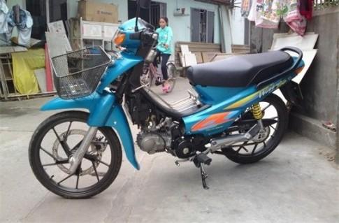 Honda Wave ZX do kieng nhe nhang cho vo di cho
