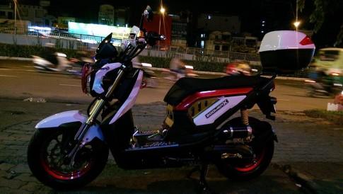 Honda Zoomer X độ sắc nét trong đêm