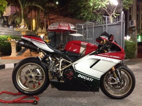 Huyền thoại Ducati 1098 S độ cực chất đầy ấn tượng
