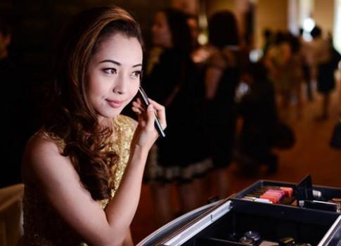 Jennifer Pham cham chut ve ngoai du su kien
