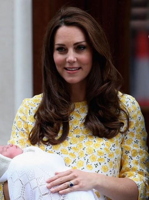 Kate Middleton giảm cân sau sinh bằng nước ép trái cây