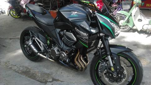 Kawasaki Z800 do phong cach tai Sai Gon