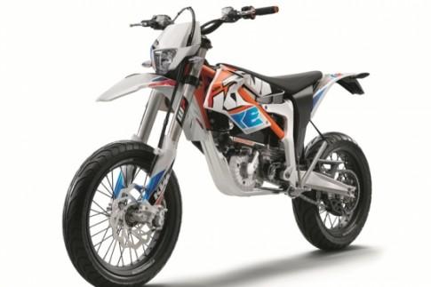"""KTM Freeride E-SM 2015 chiec xe """"xanh"""" cua dong supermotard"""