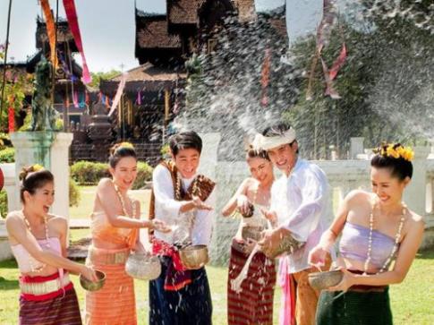 Le hoi te nuoc Songkran cua nguoi Thai