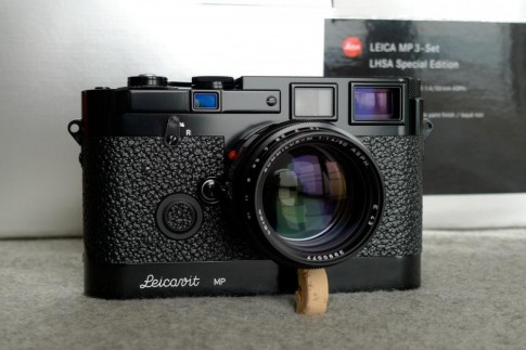 Leica ra mat may anh co 2GB bo nho