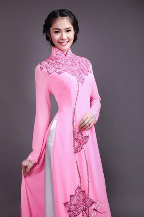Linh Chi dep mong manh voi ao dai