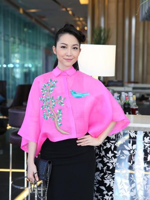 Linh Nga, Hoang Oanh trang diem dep nhat tuan