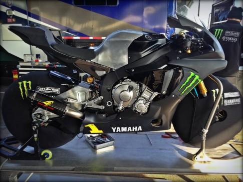 Lo ban Yamaha R1 2015 Duong Dua
