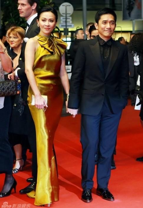 Lưu Gia Linh lộng lẫy bên Lương Triều Vỹ tại Cannes