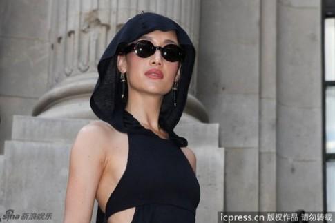 Maggie Q, Chau Tan moi nguoi mot ve voi vay den