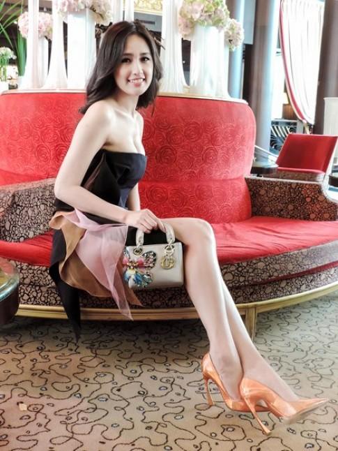 Mai Phuong Thuy 'dung' dam Dior voi sao quoc te
