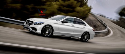 Mercedes-Benz C63 AMG 2015 sap ra mat?