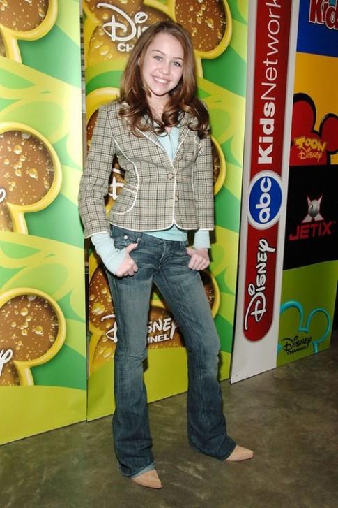 Miley Cyrus - tu cong chua Disney toi 'gai hu'