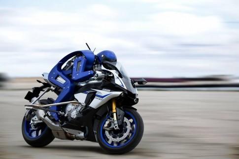 Motobot lai Yamaha R1M - Tham vong cua Yamaha