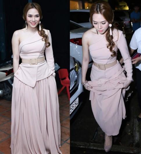 My Tam, Thu Phuong moi nguoi mot ve voi vay ao don sac