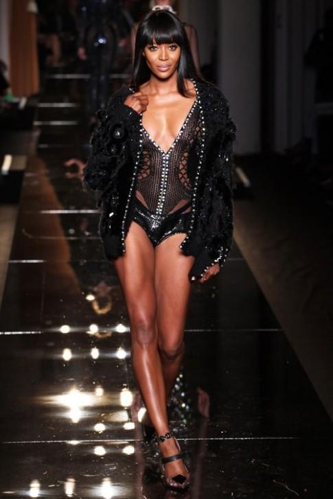 Naomi Campbell nhin an 10 ngay truoc khi catwalk