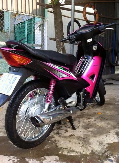 Ngắm chiếc Honda Wave độ đẹp với màu hồng nữ tính