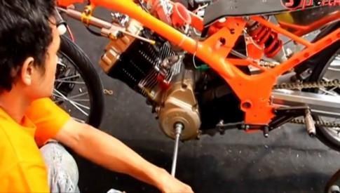 Nghía đồ chơi trên chiếc xe Raider đua Drag 130km/h