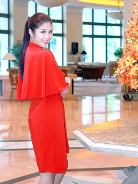 Ngọc Hân khoe sưu tập mới tại Tuần lễ thời trang Thu - Đông
