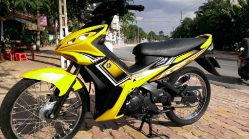 Nhận sơn xe Exciter RC 2010 màu vàng đen giá rẻ cực chất.
