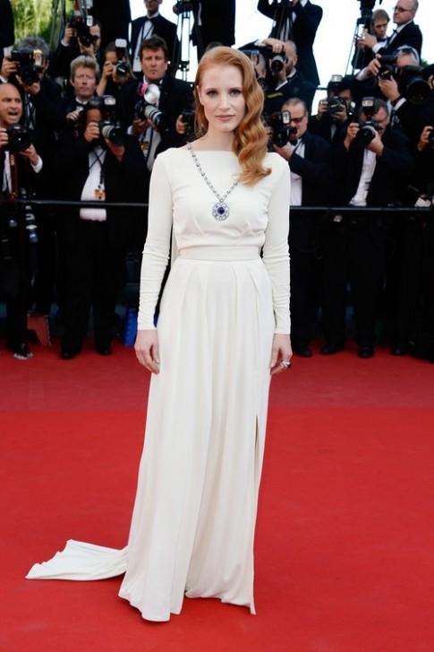Nhung bo vay trang dep nhat tham do Cannes