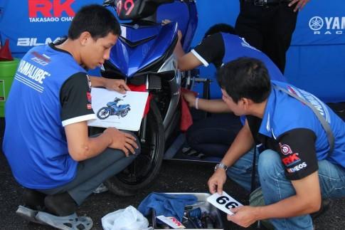 Những hình ảnh trước cuộc thi của các đội đua Exciter 150 Track Race
