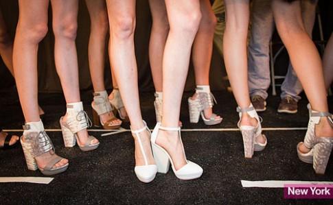 Những kiểu giày 'gây bão' tại Tuần thời trang