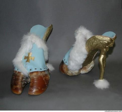 Những kiểu giày quái đản trong lịch sử thời trang (2)