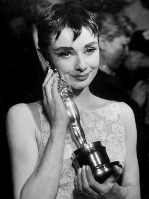 Nhung ngoi sao trang diem an tuong nhat cac mua Oscar
