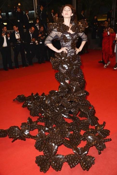 Nhung trang phuc xau nhat tren tham do Cannes 2013