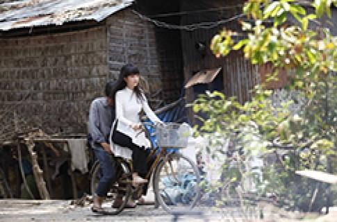 NSUT Cong Ninh: 'Toi va Ngoc Trinh nhu cha con'