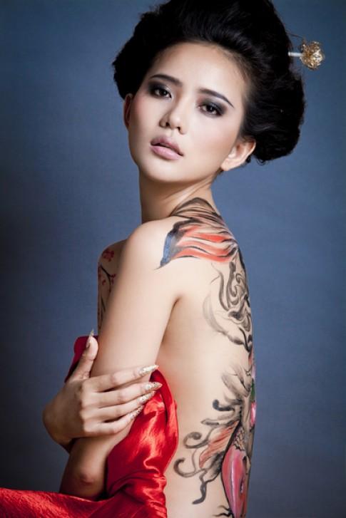 Phan Nhu Thao duoc moi sang Dai Loan lam mau doc quyen